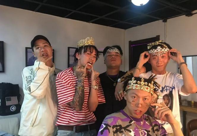 Higher Brothers:我们想走到最前面 告诉他们这是Made In China - 第4张    嘻哈中国