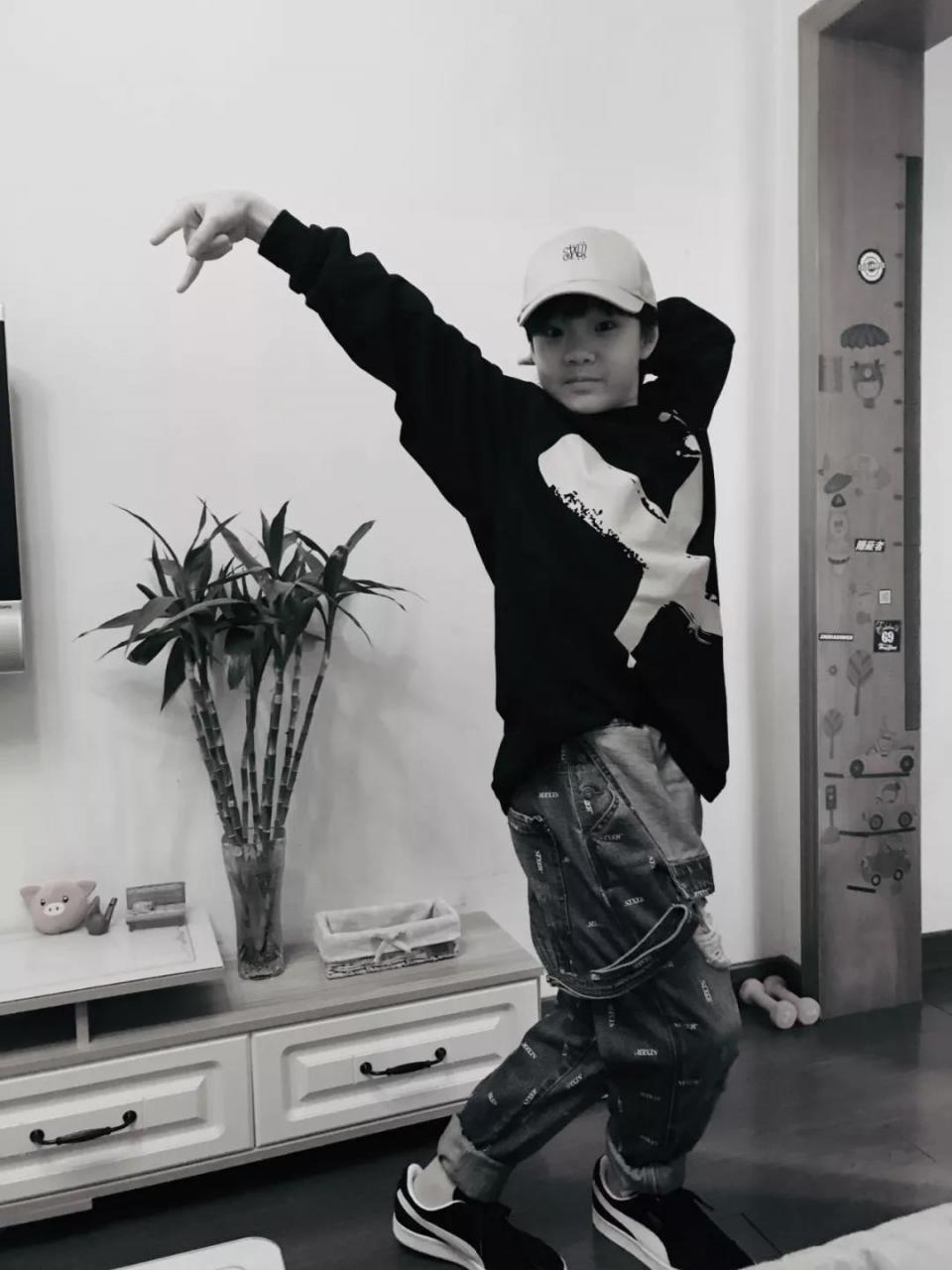 专访   3次赴法参加世界大赛的街舞少年喻文乐 - 第11张    嘻哈中国