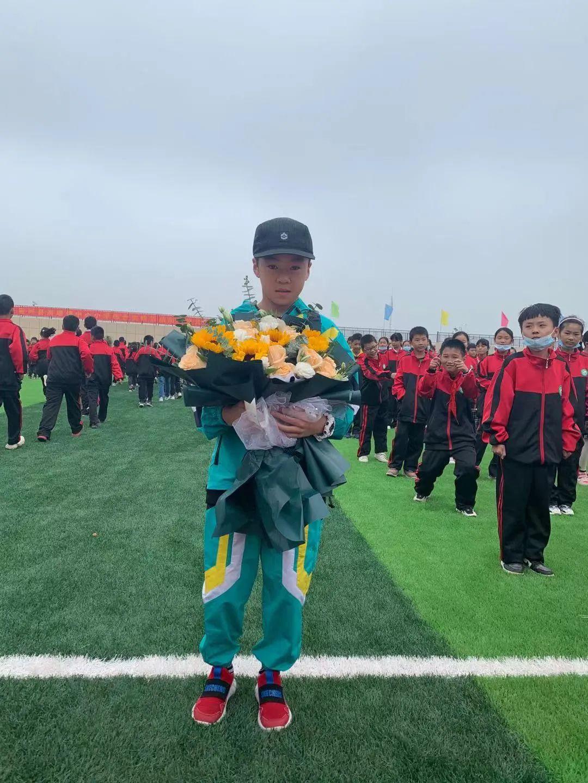 【专访】全运会最小Bboy,10岁的刘杨郡楠获得学校表彰,将迎来100冠!